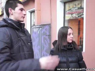 Drobne rosyjskie inna enjoys duży kutas