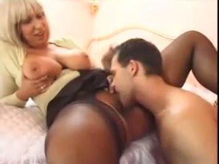 Small Guy Analyze a Giant Pantyhosed Woman: Free Porn a4