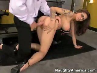 Asiatisk ludder adrenalynn getting pounded på henne kuse av en hardt pikk