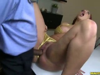 Kelly divine fucks σε μπικίνι
