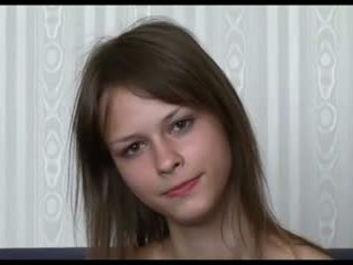 Beata undine vorstellungsgespräch, ist sie russisch ?