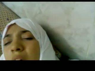 Wonderful gösteriş arabic hijab islak gömlek becerdin içinde kitap kurdu -