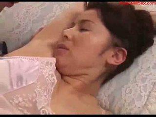 Vollbusig milf mit tied arms licked fingered stimualted mit bis