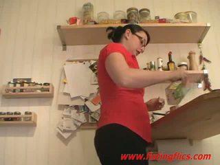 業餘 妻子 肛門 fisted 在 該 廚房