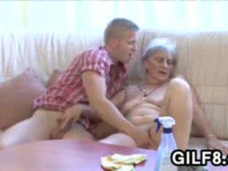 Eski cüce götten bayan gets becerdin tarafından bir genç guy