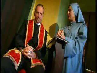 Kåt cardinal fucks nonne