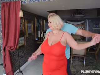 बस्टी स्लट मिल्फ samantha 38g fucks कॉलेज dance instructor