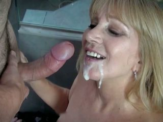 Housewife from Suburbia, Free Mom Porn Video 4c