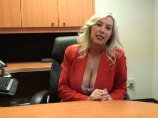 Horký kotě fucked na práce rozhovor video