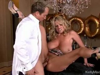 Dong loving kelly madison acquires a mouth full off sik