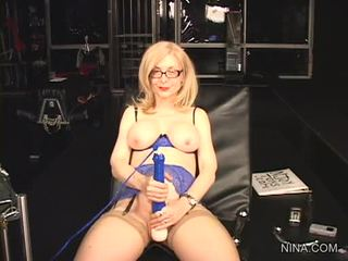 Nina hartley pleasures kanya cookie may ito pagtatalik tool