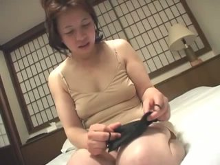 שחרחורת, יפני, מאונן
