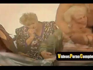 gruppen-sex, oma, video