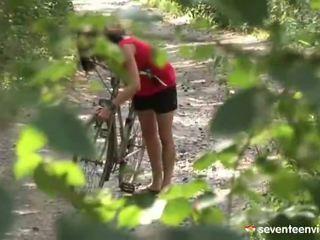 Hatdcore screwing dentro la bosque