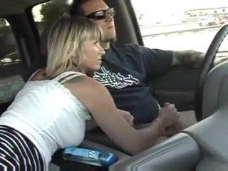 Bezmaksas mājas veikts trieciens darbs uz a automašīna