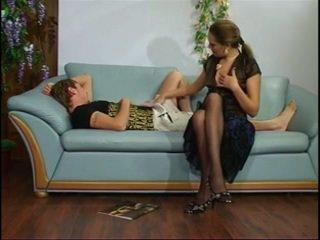 Rusiškas suaugę teta su jaunas berniukas.