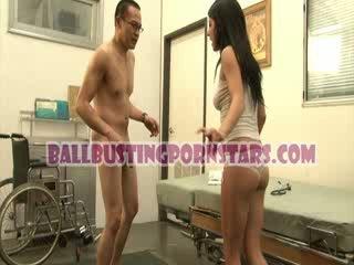 Tessa taylor puicuta sub fusta ballbusting cu the pervers medic