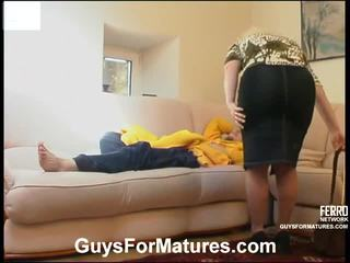 Rosemary と mike 意地の悪い 成熟した ビデオ