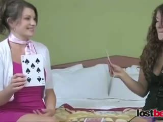 Strip haut card avec kala et elizabeth (hd)