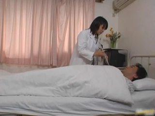 Oriental docteur patient porno vid