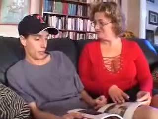 Maduros mãe fodido por younger pila 3