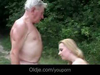 มหาศาล breasted หนุ่ม ผู้หญิงสำส่อน gives ตา epochal เพศสัมพันธ์