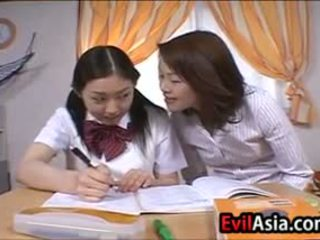 jaapani, pehmoporno, lesbian
