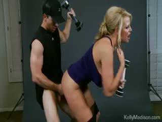 Kelly madison promotes la jack weight branlette exercise