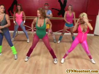 Cfnm aktion bei yoga klasse mit raquel