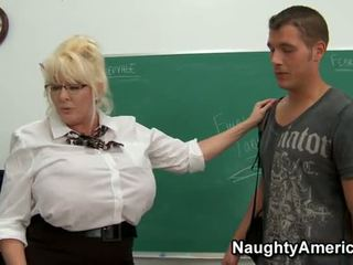 Kayla Kleevage - Bbw Teacher Anal Fuck...