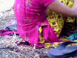 Hinduskie nastolatka scandal w park przez gracesmith18