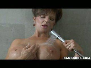 Pleasing momma deauxma likes the plăcere de getting sauced pe ei gură cu sperma