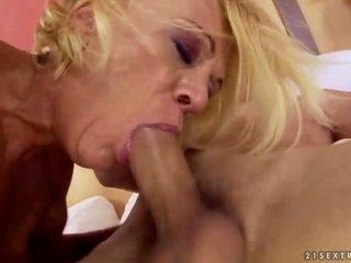 hardcore sex, sex bằng miệng, hút