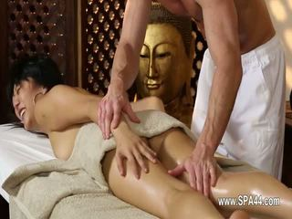 Schlecht babes penetrated schwer im besondere masseur