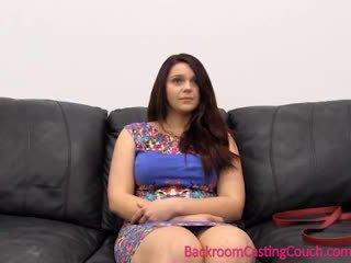 Seksuaalinen psychology 101 - valu sohvalla lesson kanssa painal