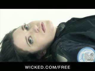 Aiden starr - horizon dvd scene 6 - barmfager lesbiske med hårete fitte finger faen