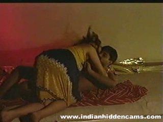 Ženatý indický pair domácívyrobený výroba láska privacy invaded podle hiddencam