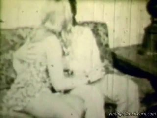 Breasty blondine retro shag