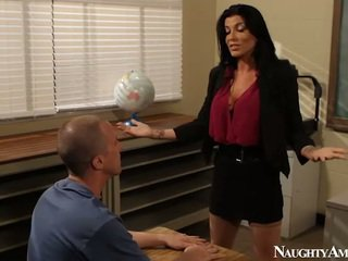 Duży titted instructor romi deszcz having pieprzenie onto erotyczny america