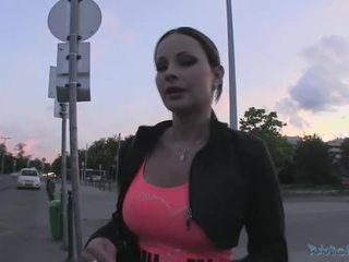Beauty abbie gains пари в брой и gets прецака