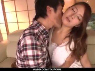 Nana ninomiya, heiß ehefrau, amazes hubby mit voll porno
