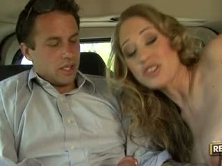 Mainit blondie abby rode deliciously pleasures kanya mouth may a titi plugged sa ito