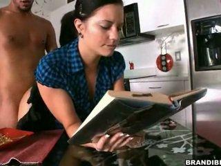 Фунт мені astounding в той час як я читати mine книга