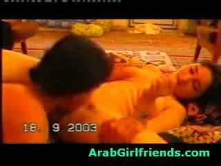 हॉर्नी beauty से इराक़ sucks boyfriends कॉक में होममेड