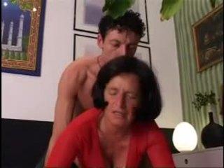Giving 할머니 a 좋은 단단한 dicking !