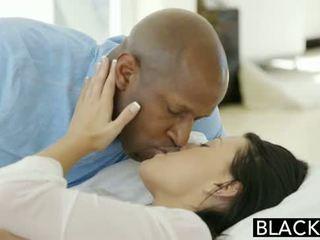 Blacked підліток beauty tries міжрасовий анал секс