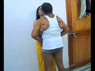 Intialainen pari enjoying romantic