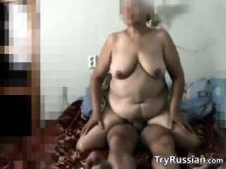 Ryska grannyen secretly filmed knull