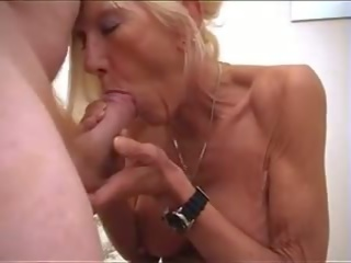 Brittiläinen mummi naida: vapaa mummi porno video- a2