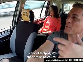 Cutest teinit gets a vapaa taxi ratsastaa